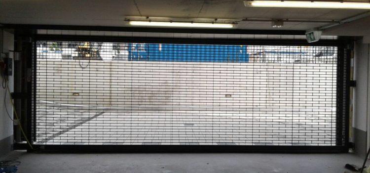 Rollgittertore für Bürogebäude-Neubau